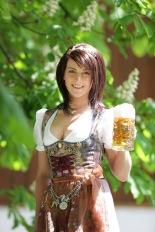 beermaiden2